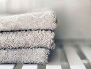 Bambus vs bawełna. Porównujemy ręczniki tradycyjne i innowacyjne