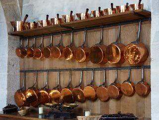 Zestawy garnków jako ważny elementem urządzania kuchni