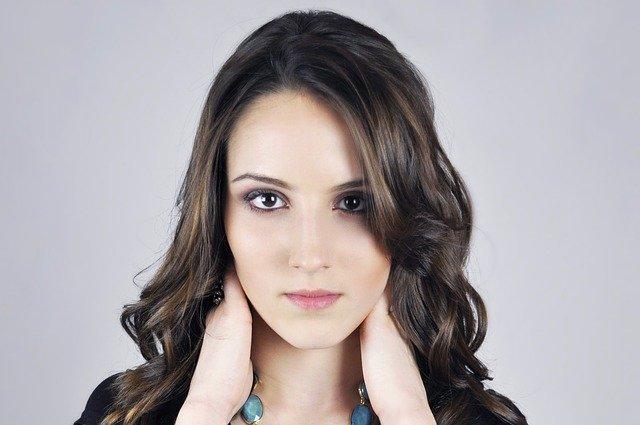 Co wpływa na wybór odpowiedniej szminki?