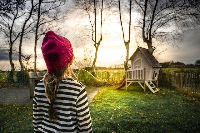 Domek ogrodowy dla dzieci – wszystko, co musisz o nim wiedzieć